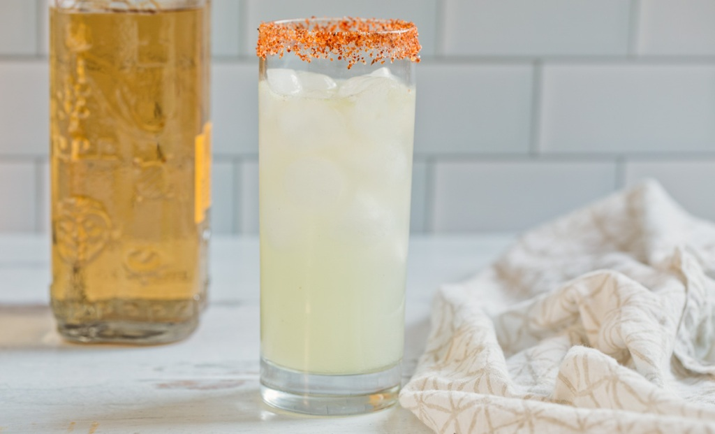keto margarita in a glass