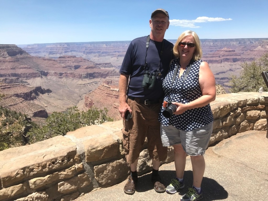 man and woman at grand canyon