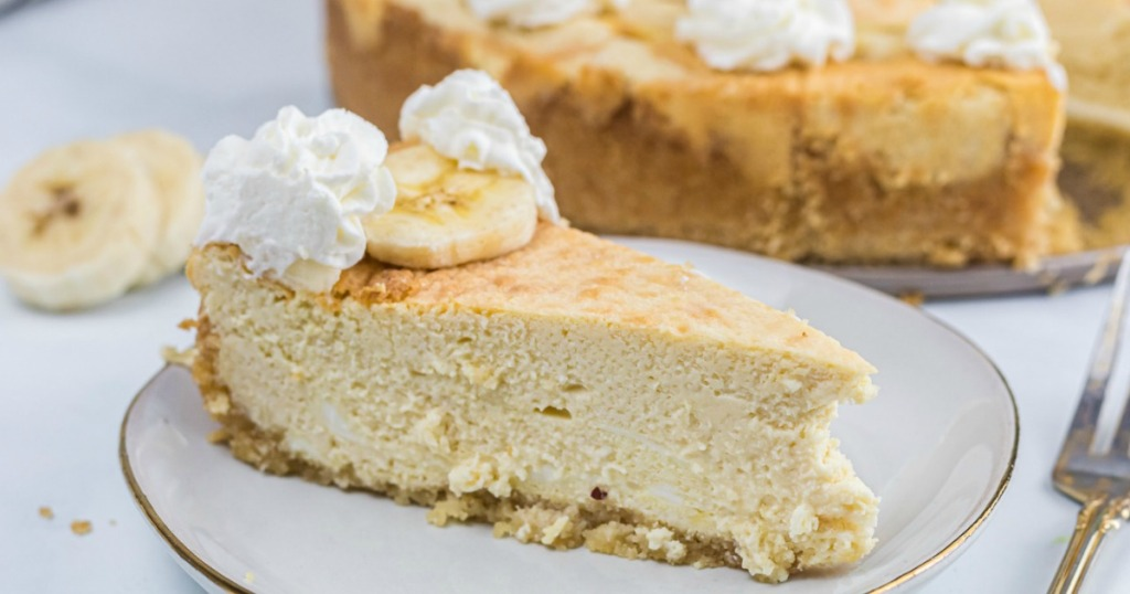 keto banana cheesecake slice