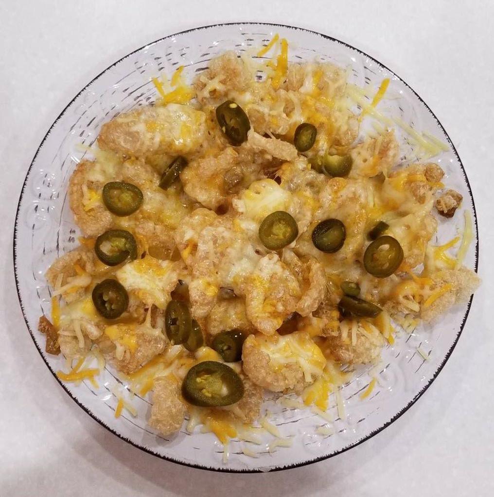 pork rind nachos with jalapeños