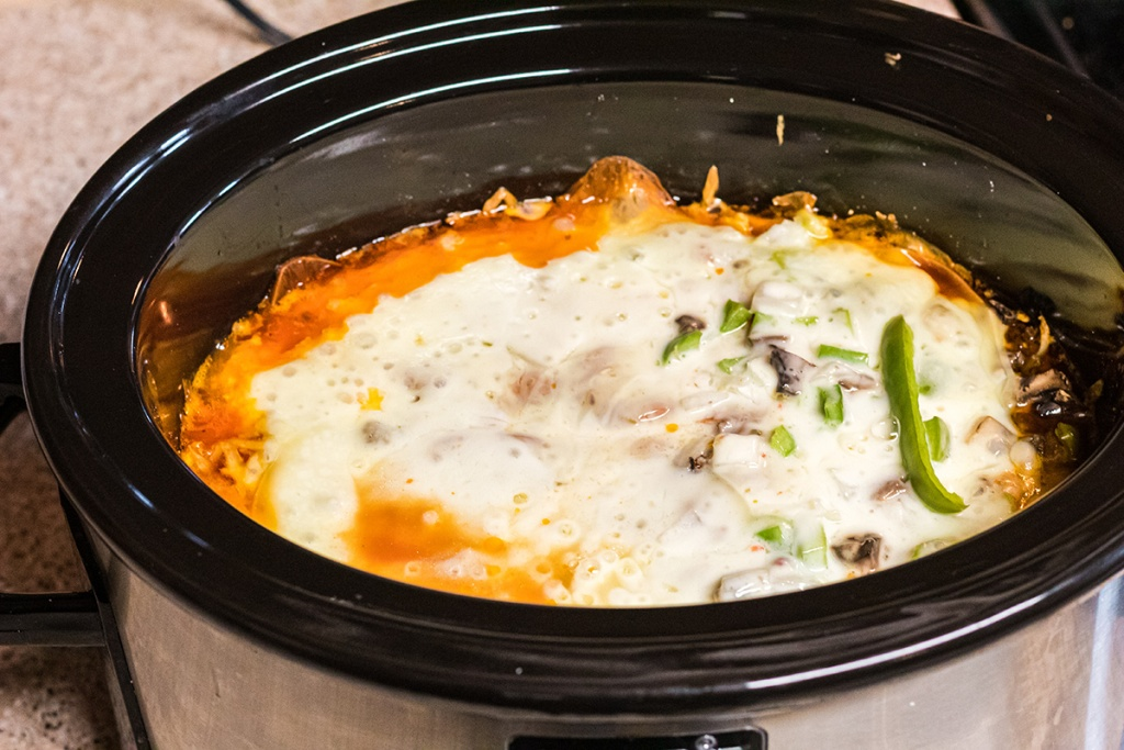 keto pizza casserole on crockpot