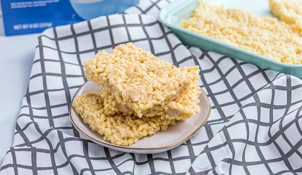 keto rice krispie treats on plate