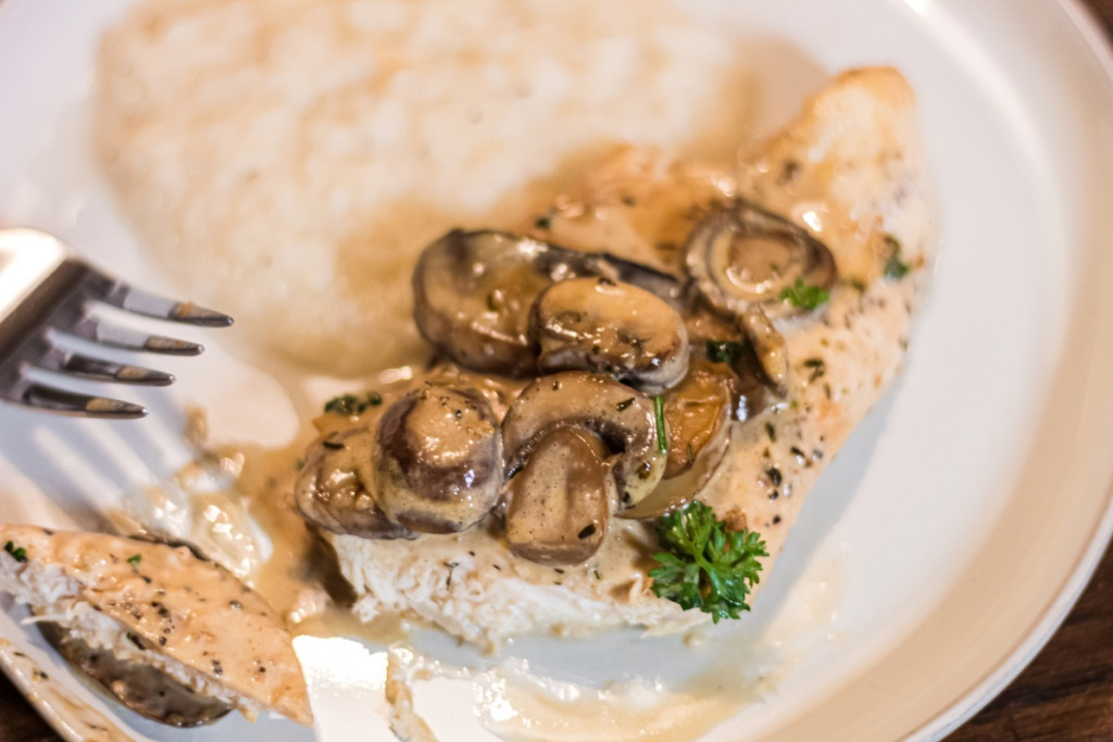plate with keto chicken marsala