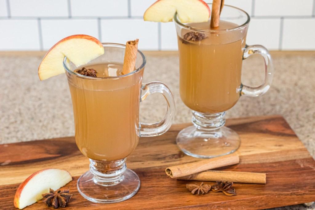 glasses of hot apple cider