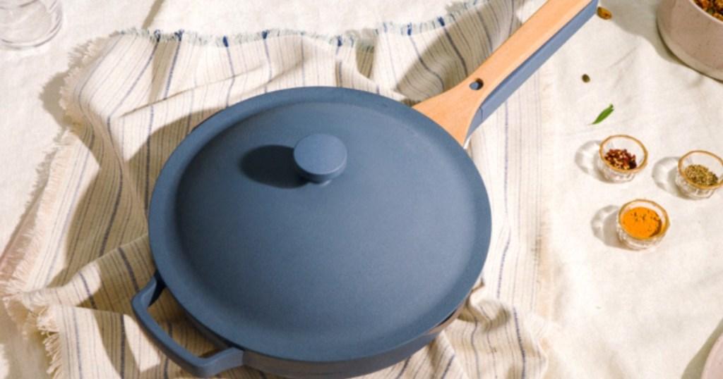 blue Always pan