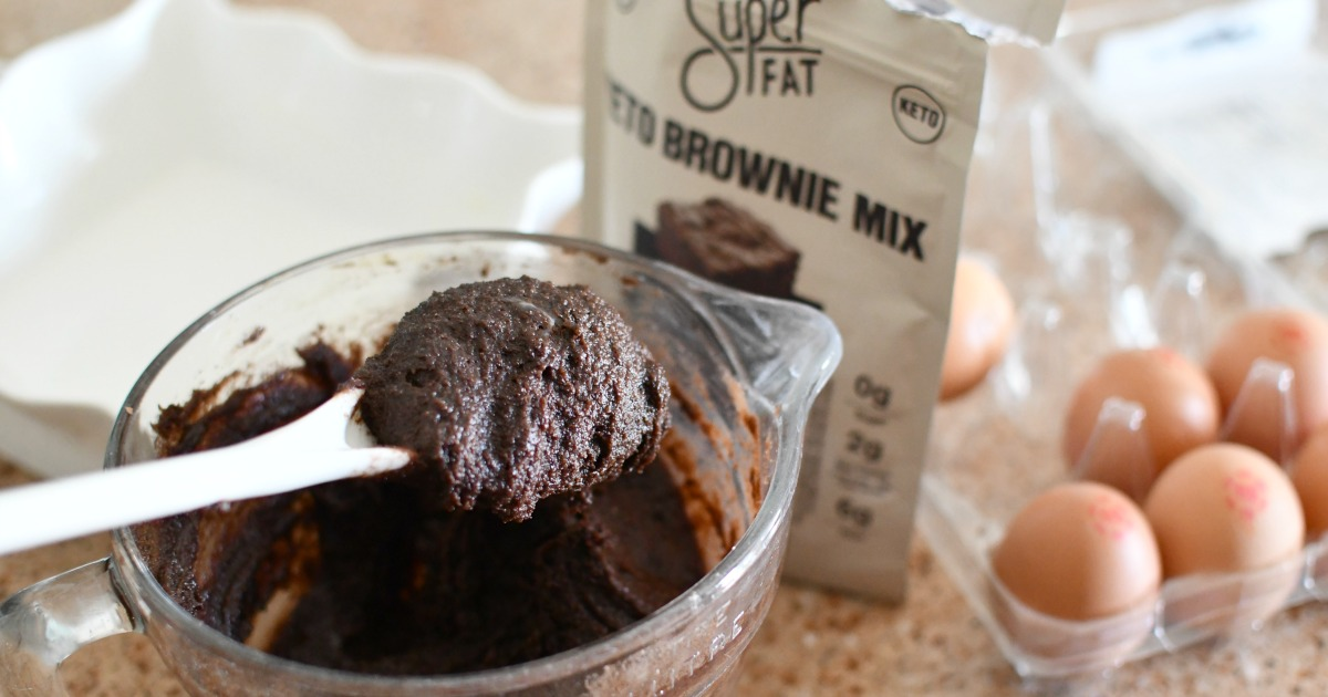 mixing superfat brownie mix in a batter bowl