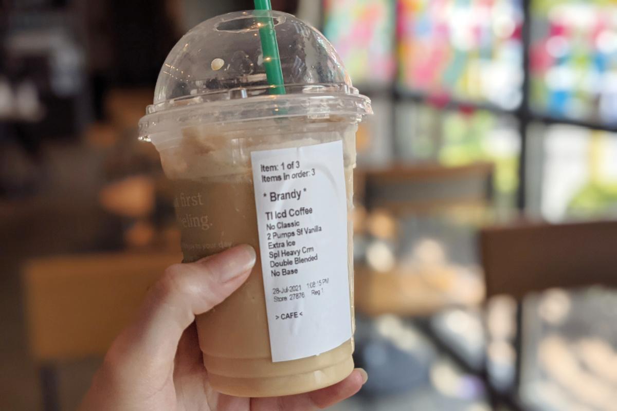 hand holding a starbucks keto frappuccino