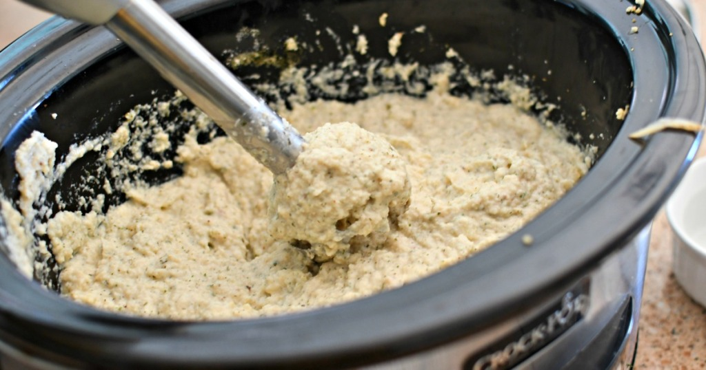 using an emersion blender to make mashed cauliflower