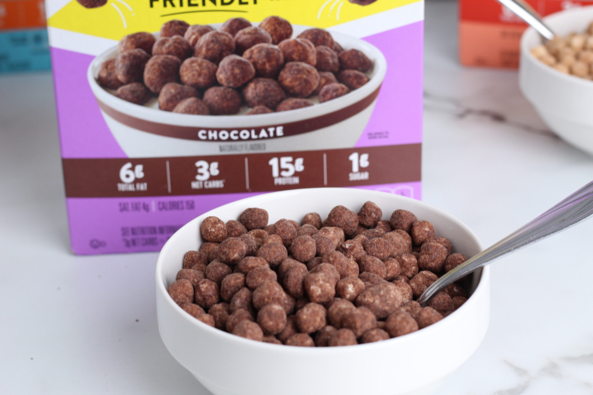 chocolate keto friendly cereal