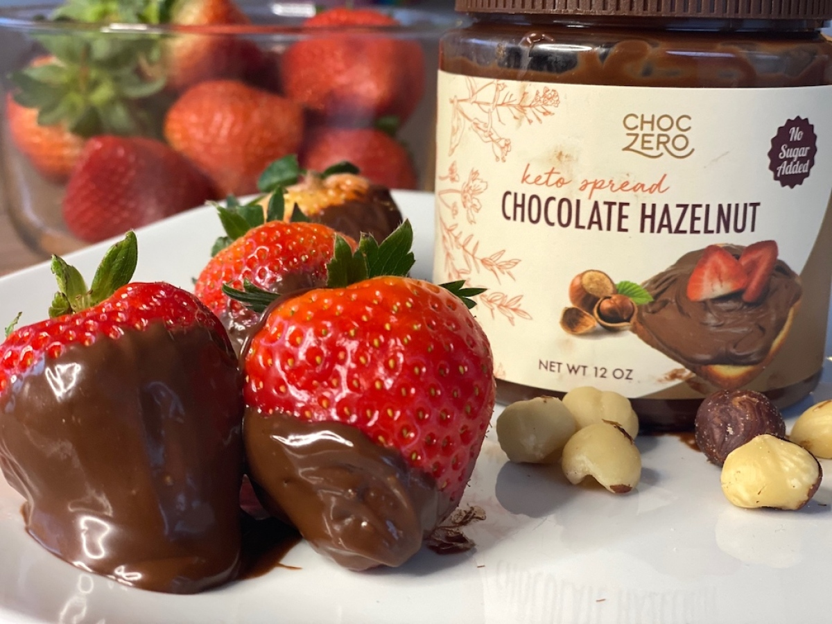 ChocZero chocolate hazelnut spread with strawberries