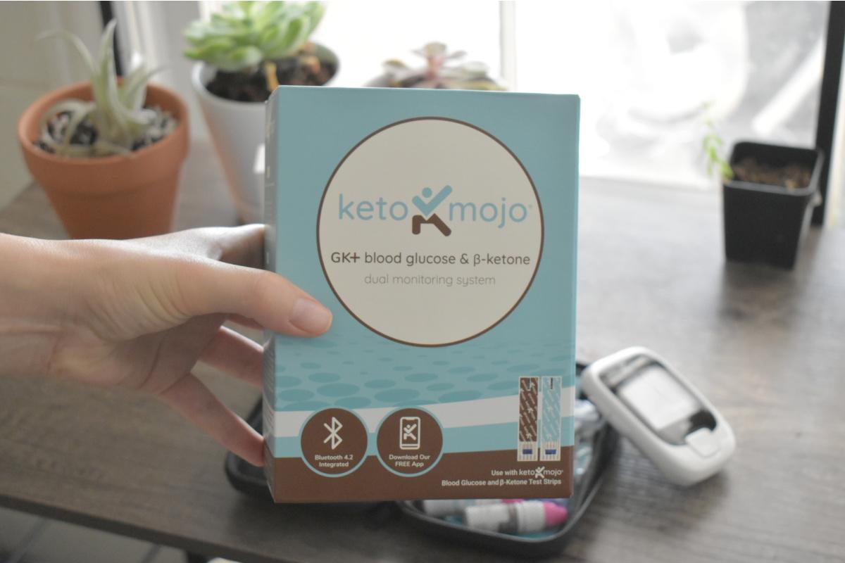 holding Keto Mojo box