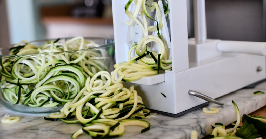 making zucchini noodles
