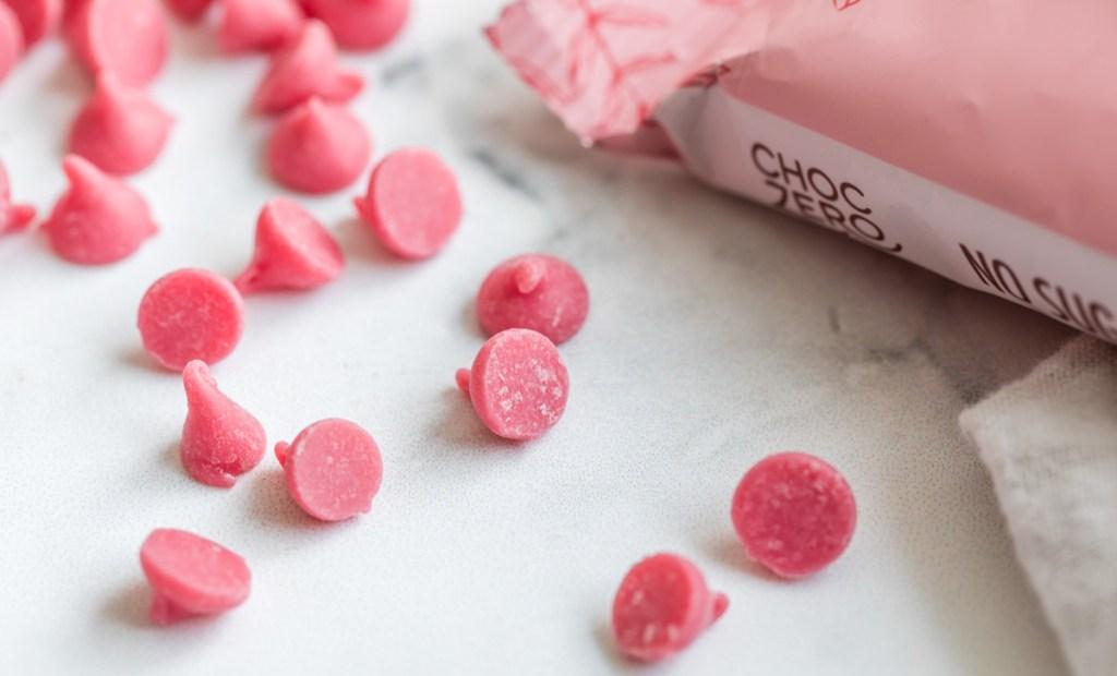 choczero strawberry white chocolate chips
