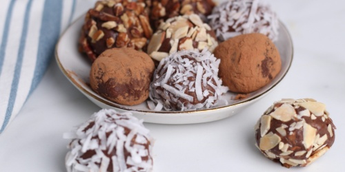 Just 2 Net Carbs in Our Homemade Keto Chocolate Truffles!