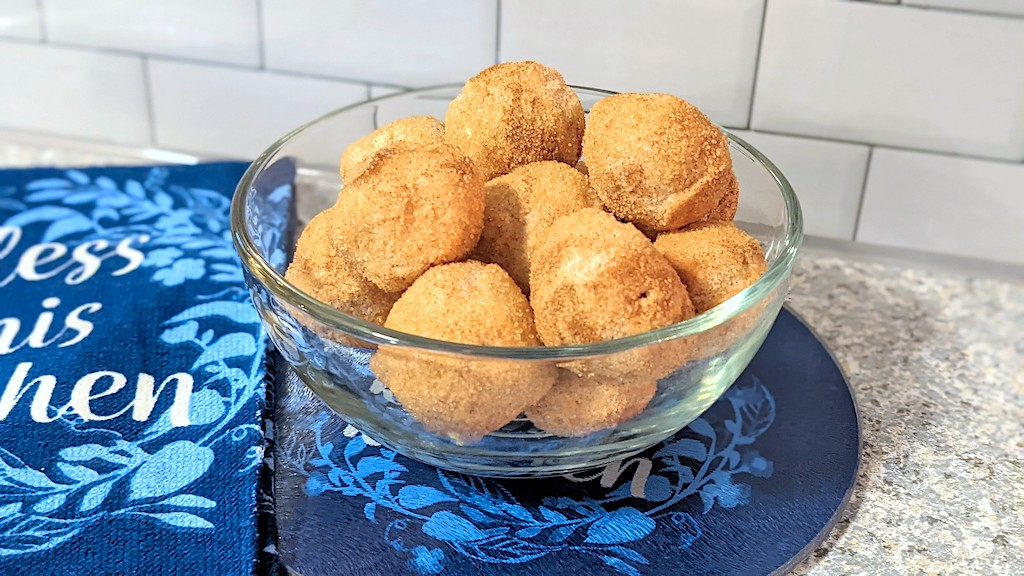 keto snickerdoodle fat bombs in bowl