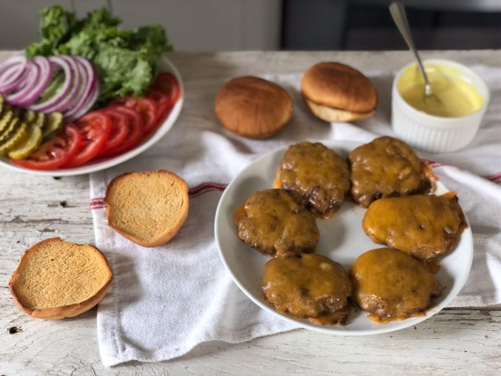 assembling smash burger recipe