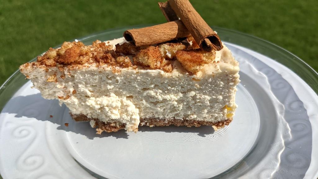 keto churros cheesecake slice on plate