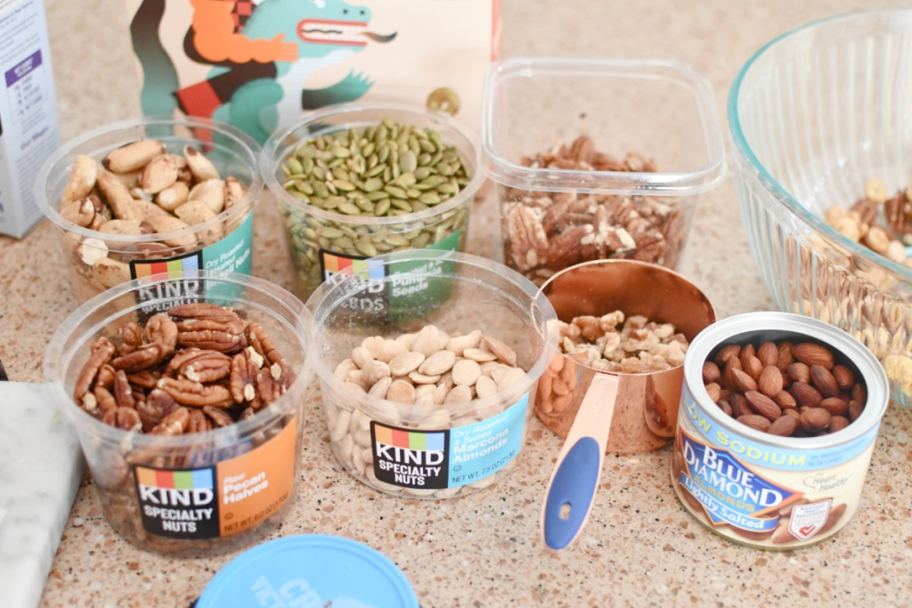 keto friendly nuts for trail mix