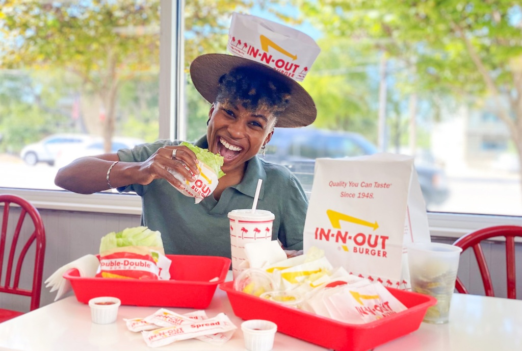 woman dining at in-n-out